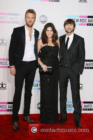 Lady Antebellum's Hillary Scott Ties The Knot With Drummer