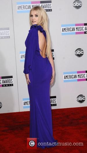 Mika Newton and American Music Awards