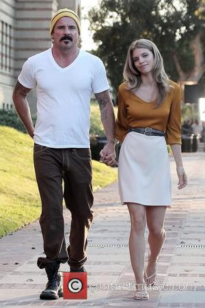 Dominic Purcell and nnalynne McCord Prison Break's Dominic Purcell steps out with his new girlfriend, Annalynne McCord, on the set...
