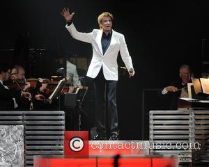 Manilow Postpones Australian Tour
