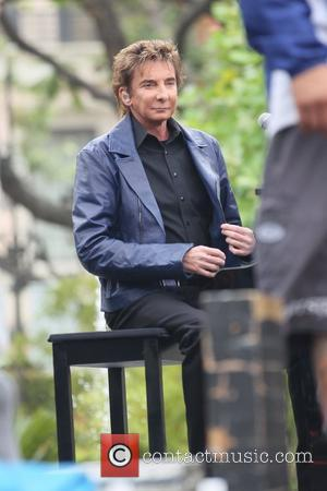 Barry Manilow at The Grove for the entertainment television news programme 'Extra' Los Angeles, California - 09.06.11