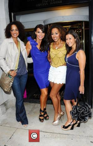 Tupele Dorgu, Lizzie Cundy, Danielle Brown and Hayley Tammadon Lizzie Cundy hosts a Beau Bronze event at the Millenium Hotel...