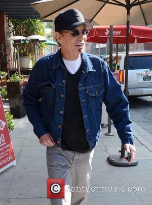 Billy Bob Thornton walking on Bedford Drive in Beverly Hills Beverly Hills, California - 16.11.11