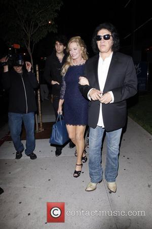 Nick Simmons, Shannon Tweed and Gene Simmons outside BOA steakhouse Los Angeles, California - 27.09.11