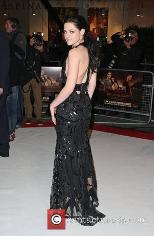 Kristen Stewart Opts For Nike Trainers At Twilight Premiere