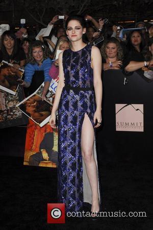 Kristen Stewart injured her foot on the Snow White set