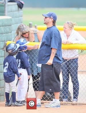 Kevin Federline coaches his son's little league softball in Calabasas. Los Angeles, California - 15.05.11