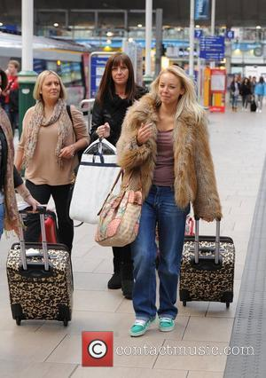 Sacha Parkinson  catches a train to London  Manchester, England - 28.11.11