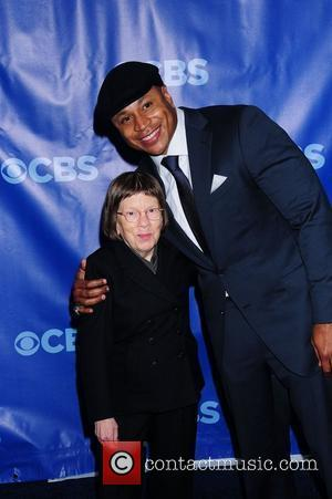 Photo of Linda Hunt & her friend actress  Ll Cool J - Cast of NCIS