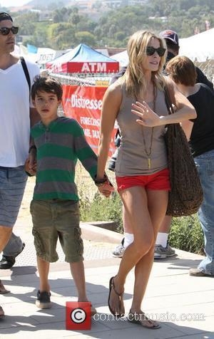 Eddie Cibrian and LeAnn Rimes sending a day at Malibu Fair with their children Los Angeles, California, USA - 04.09.11