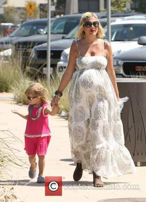 Tori Spelling and her daughter Stella  sending a day at Malibu Fair  Los Angeles, California, USA - 04.09.11