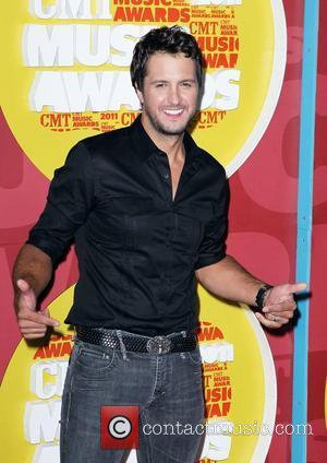 Luke Bryan Injured In Skateboarding Accident