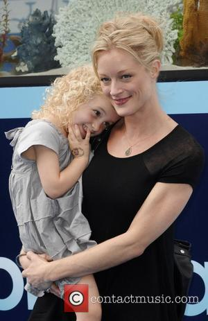 Teri Polo The Los Angeles premiere of 'Dolphin Tale' at the Mann Village Theatre - Arrivals Los Angeles, California -...
