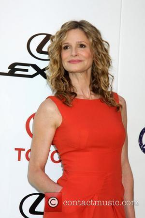 Kyra Sedgwick The 2011 Environmental Media Awards held at the Warner Brothers Studio - Arrivals Beverly Hills, California - 15.10.11