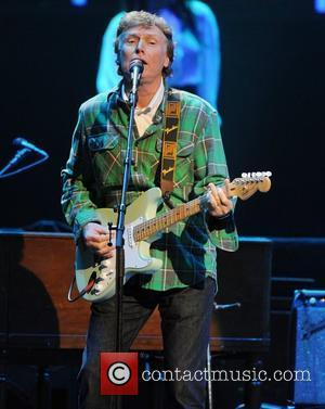 Steve Winwood Joins Tom Petty Onstage In London