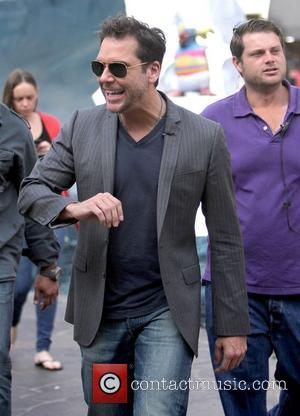 Dane Cook Celebrities filming an appearance on entertainment news programme 'Extra'  Los Angeles, California - 28.11.11