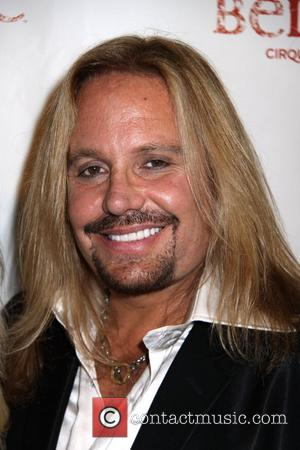 Vince Neil's Girlfriend Walks Out On Him
