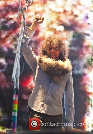 Wayne Coyne Splits From Girlfriend