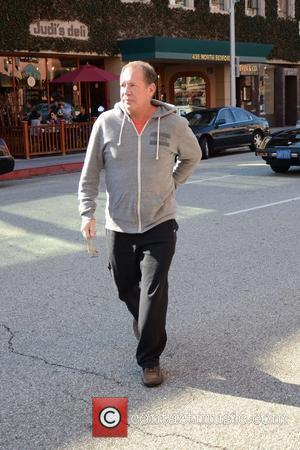 Garry Shandling is seen out about in Beverly Hills Los Angeles, California - 08.11.11