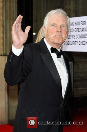 Ted Turner Says Murdoch Must Step Down