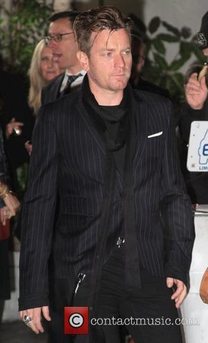 Ewan McGregor GQ Magazine's 2011 Men Of The Year party at Chateau Marmont - Outside Arrivals Los Angeles, California -...