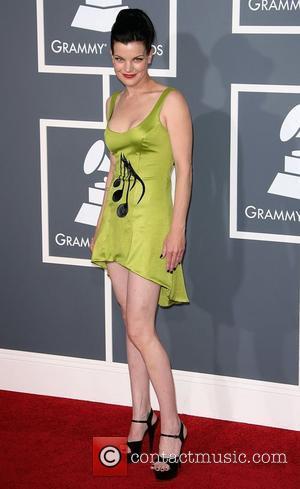 Grammy Awards, Pauley Perrette