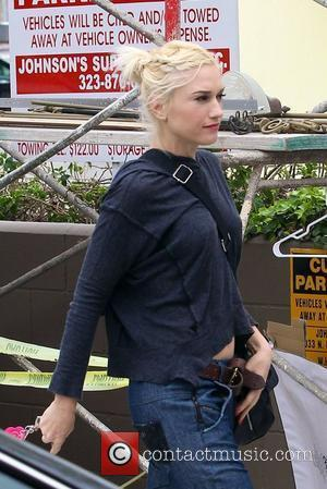 Gwen Stefani Offers Up Lunch And Tea Date To Raise Cash For Japan