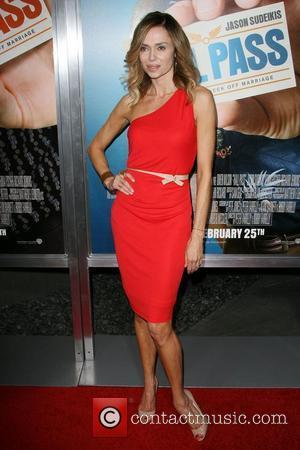 Vanessa Angel Los Angeles Premiere of Warner Bros. Pictures' Hall Pass held at the Cinerama Theatre Los Angeles, California -...