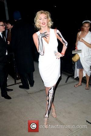 Kate Upton, Underwear Model, Dating Jets Star Mark Sanchez