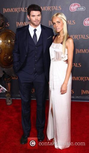 Kellan Lutz and Isabel Lucas