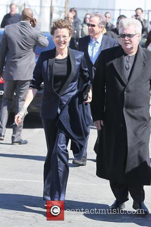Annette Bening and Warren Beatty The 2011 Film Independent Spirit awards held at Santa Monica Beach - Outside Arrivals Los...