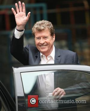 Michael Crawford Enjoying Anonymity In New Zealand