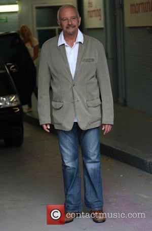 David Essex Quits U.k. Soap