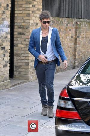 Jamie Hince Doesn't Use Kate Moss For Band Exposure