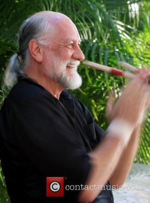 Mick Fleetwood To Open English Pub In Maui