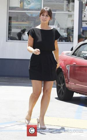 Jennifer Love Hewitt goes shopping at Fred Segal Los Angeles, California - 27.07.11