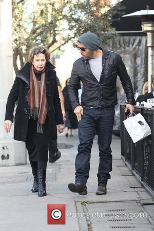 Jeremy Piven and his mother leave Joans On Third after having lunch Los Angeles, California - 28.02.11