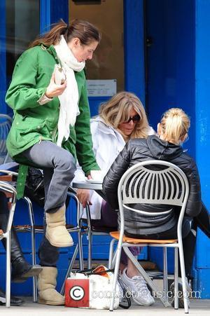 Jools Oliver  departs a cafe in Primrose Hill after spending an afternoon with friends London, England - 22.03.11