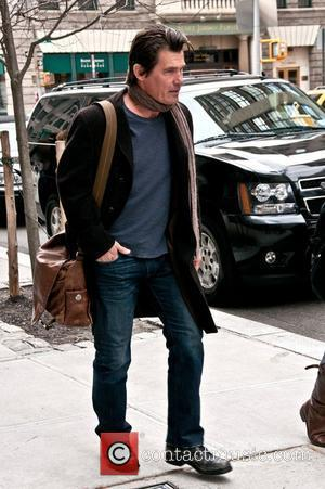 Josh Brolin out and about in Manhattan New York City, USA - 13.03.11