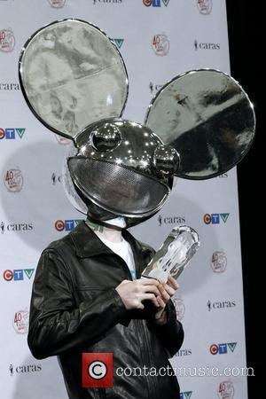 Deadmau5 Wears Skrillex's Phone Number On Grammy Awards T-shirt