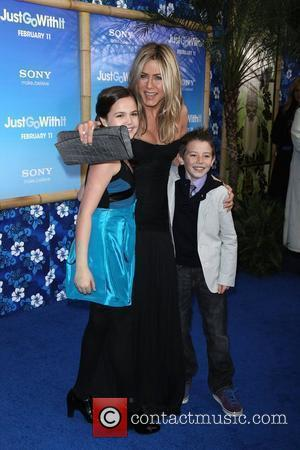 Bailee Madison, Griffin Gluck and Jennifer Aniston