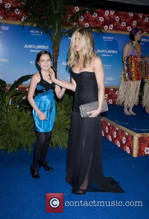 Bailee Madison and Jennifer Aniston