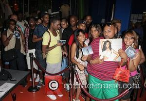 Fans and Kelly Rowland
