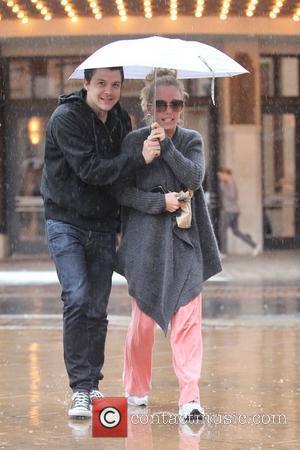 Kendra Wilkinson and The Rain