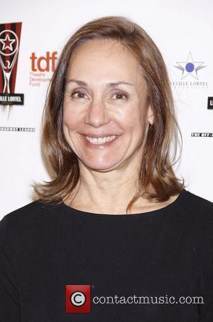 Newly-single Laurie Metcalf Heading To London Stage