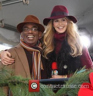 Elle Macpherson on the Today Show to report on the 2011 Macy's Thanksgiving Day Parade. New York City, USA -...