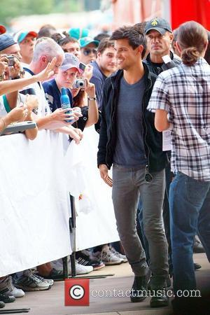 Taylor Lautner The Miami Dolphins vs The New England Patriots NFL Monday Night Football game at Sun Life Stadium -...
