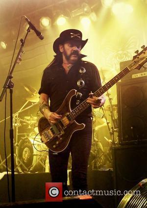 Lemmy's Hand Injury Led To Motorhead Gig Cancellation
