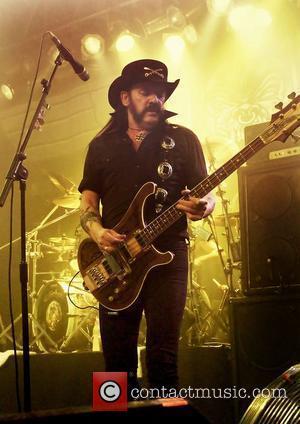 Lemmy's Hand Injury Led To Motorhead Gig Cancellation