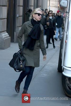 Naomi Watts walking in Soho carrying a large black bag New York City, USA - 29.03.11